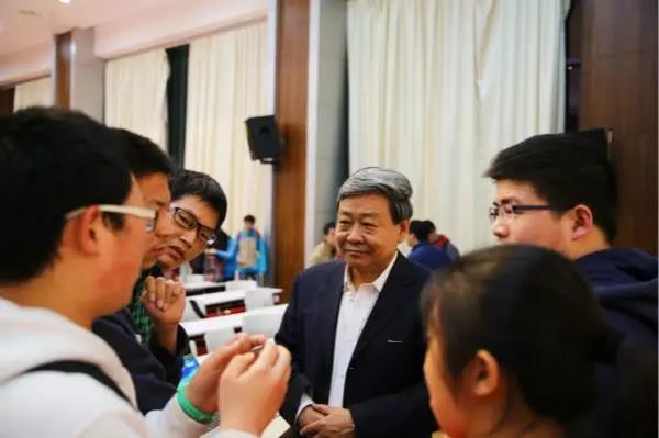 中国科学家全球首次解析非瘟病毒结构,为疫苗研发提供重要依据!