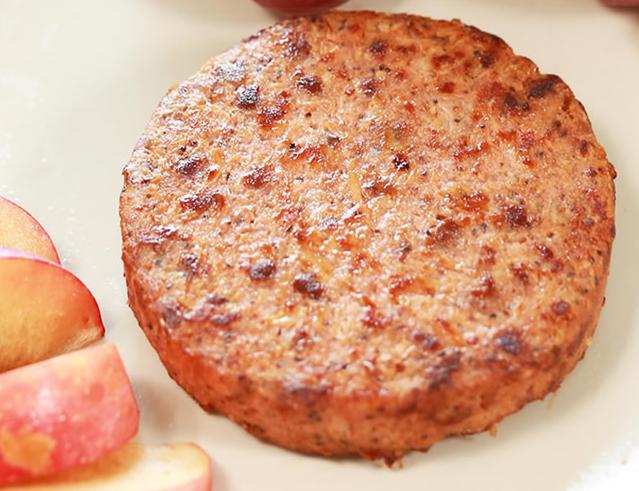 国内首款人造肉饼价格是猪肉价格六倍 网友:不如吃猪肉
