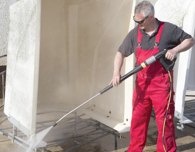 看国外 使用80°C热水进行清洁,猪场便可省去消毒剂?
