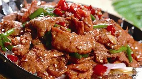 猪肉要成牛肉价?专家预计下半年价格涨超70%