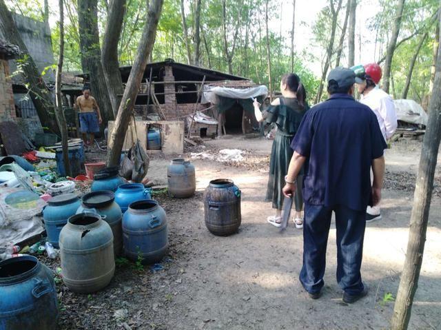 帮助他人垄断生猪市场 温州一畜禽屠宰管理所所长被起诉