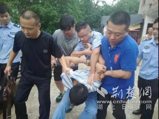 """恶势力犯罪集团垄断猪肉市场 鄂州""""肉霸""""一审获刑七年"""