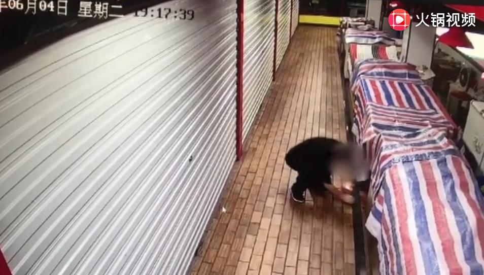 农贸市场7家猪肉摊一夜间被盗 惯偷欲坐车回家过端午时被抓