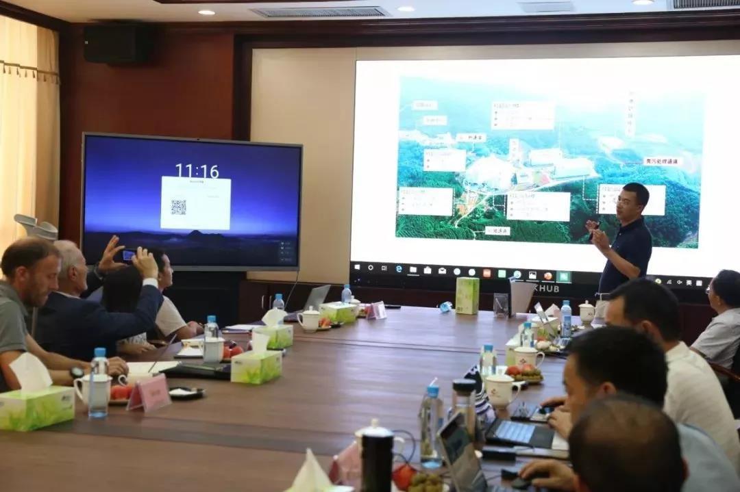 """世界知名ASF专家到访扬翔,对付非瘟的""""科学方法""""有哪些?"""
