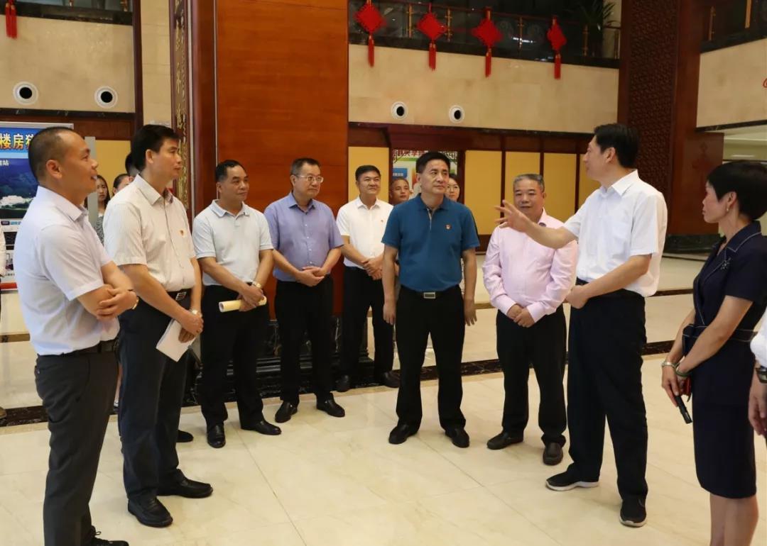 广西壮族自治区党委副书记孙大伟莅临扬翔视察指导工作