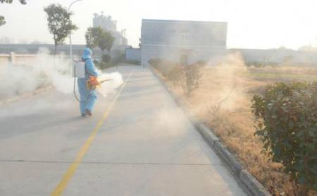 山东沂水圈里开展消毒灭源工作 维护本场的生物安全