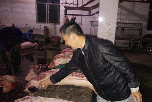 江西樟树开展突击检查,整治猪肉销售市场,保障居民舌尖上的安全