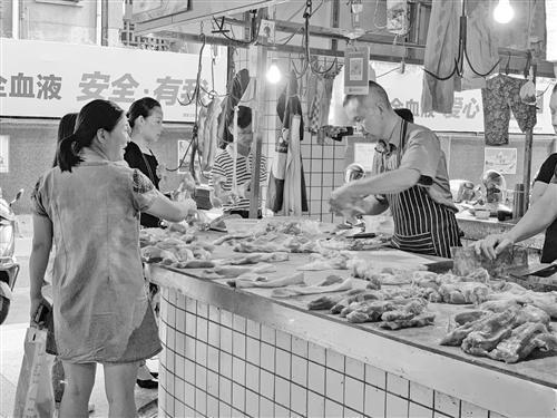 杭州梅城猪肉价格上涨明显,市民选择涨幅较小肉类替代