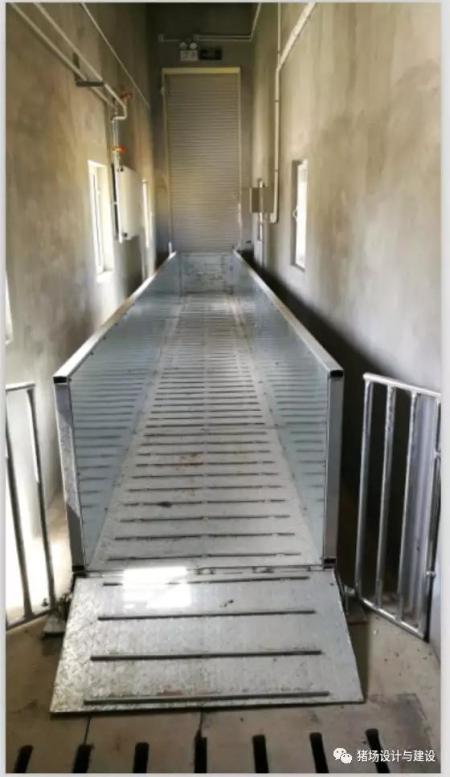 三层吊桥出猪台的内部吊桥