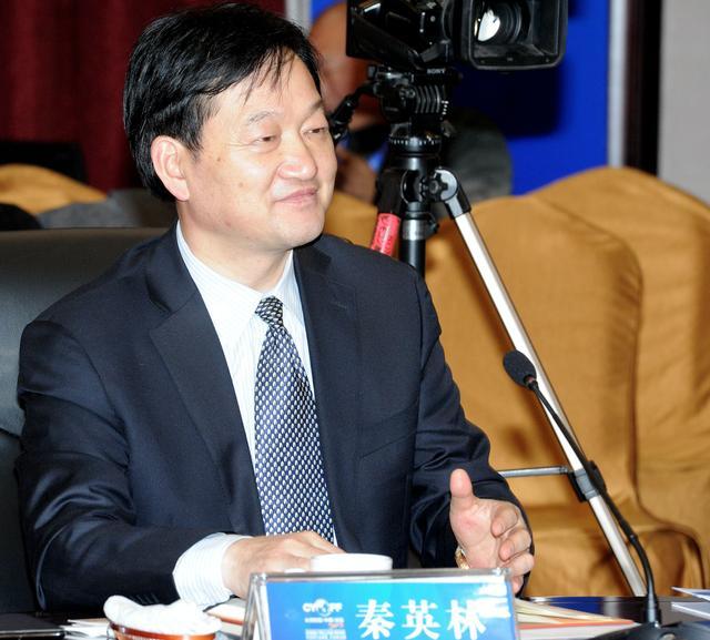 河南首个千亿富豪诞生!他靠22头猪起家,如今是中国养猪业首富