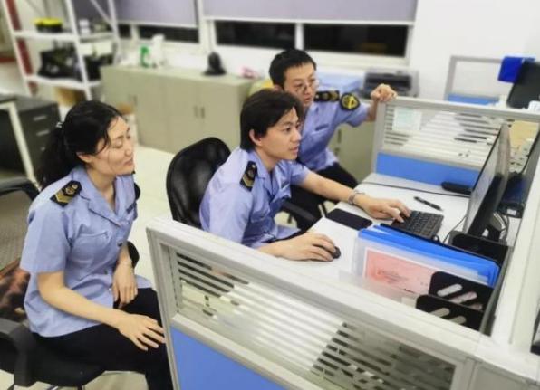 上海捣毁3家无证生产肉制品黑窝点 查获问题猪肉8吨