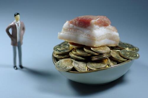 猪肉价格一周再涨11%:商贩无人问津称不赚钱,有人偷肉被拘