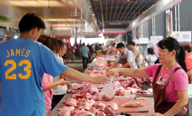 合肥周谷堆市场菜价下跌,猪肉价格高位平稳运行