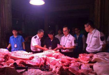 江苏如东凌晨突击检查生猪产品 未发现私宰生猪产品在售