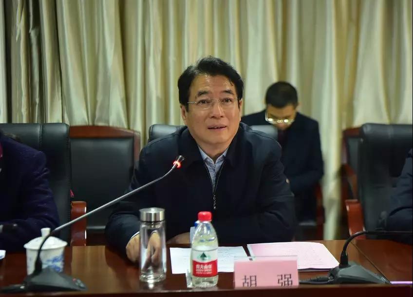 积极做好生猪保产保供稳价工作——副省长胡强调研我区民营企业