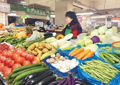 京沪渝市场问物价:猪肉价格总体回落 菜价个别起伏