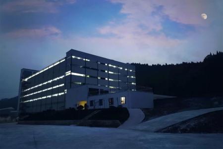 养猪新模式——楼房养猪,国内首个余式猪场5.0楼房式猪舍引种投产
