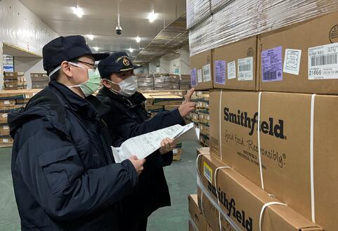上海海关多举措保障进口直供武汉冻猪肉快速通关