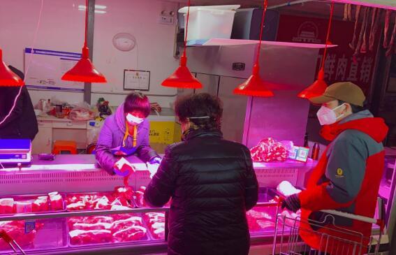 屠宰场复工 白条猪上市量增大、猪肉价格下降