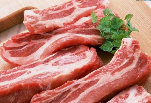 """25万吨的猪肉马上""""进场"""",年内第12次,猪价再降或许不远了"""