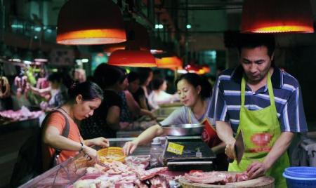广州投放储备冻猪肉稳肉价,82家超市猪肉降价一成