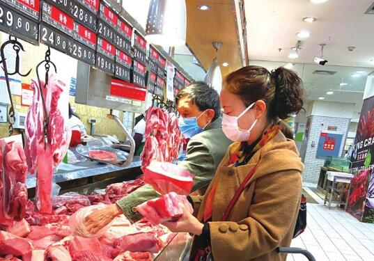 广州:多家猪肉档口推出特价猪肉,最低低至29.9元/斤