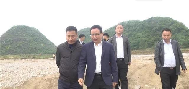 肖青华到独山调研生猪养殖项目和农村电子商务发展情况
