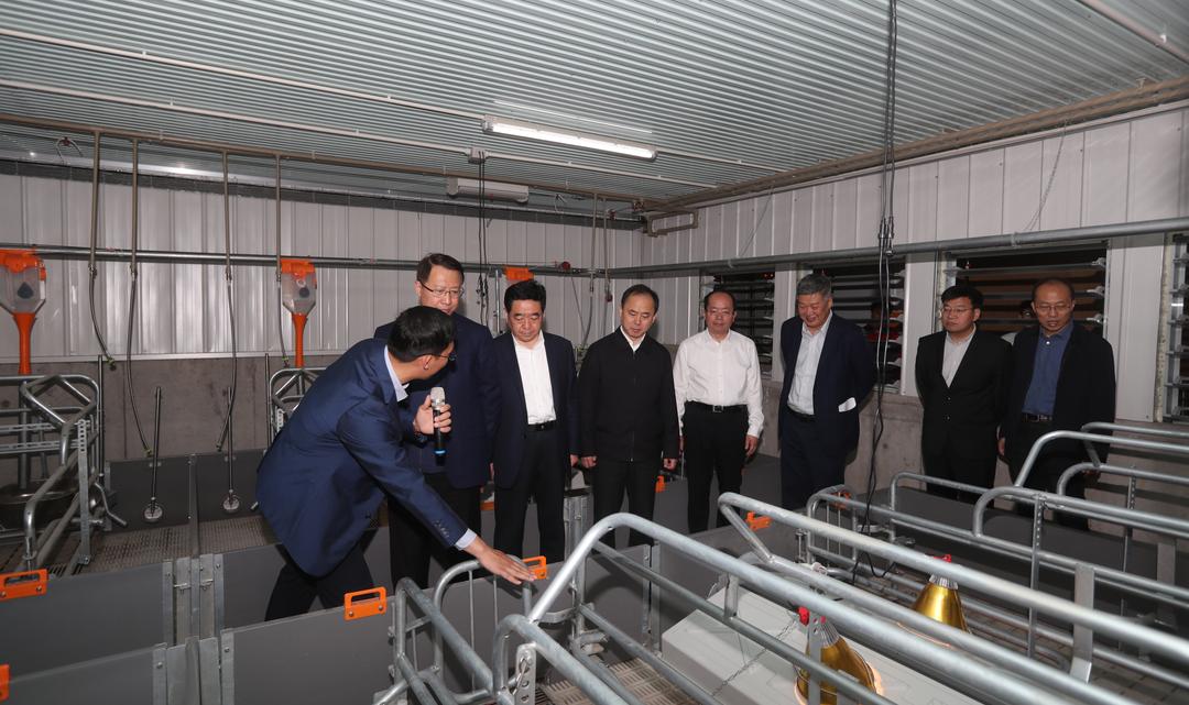 江苏省委常委、秘书长郭元强调研泗洪德康杨岗基地项目