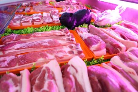 """猪价较高点跌逾20% 猪肉龙头股现""""杀估值""""行情"""