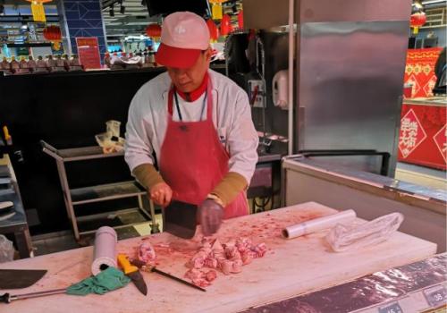 养猪企业普遍扩产,猪肉价格持续回落