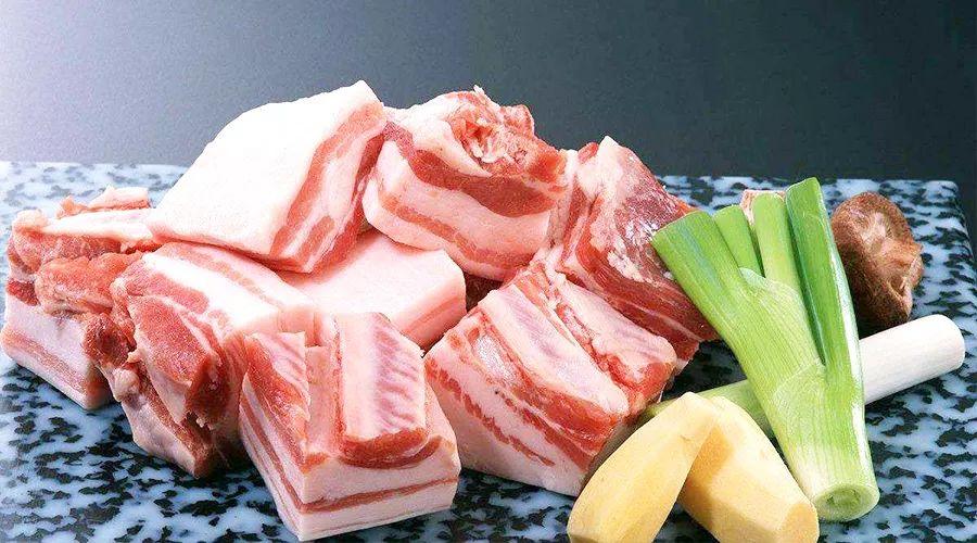 """新华社:多地猪肉价格连续上涨,""""肉盘子""""能否稳住?"""