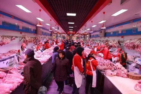 济南市场猪肉价格上涨明显 冻肉价更低 有餐馆做菜开始混用冻肉和鲜肉