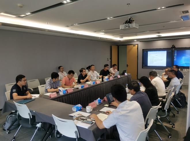 中国工程院院士、华中农业大学陈焕春教授到德康集团指导工作