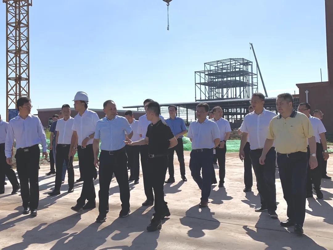 自贡市市长何树平调研自贡德康沿滩饲料厂,给予高度肯定!