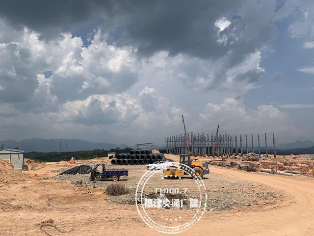 村民投诉福建这家养猪场未批先建,当地多部门回应