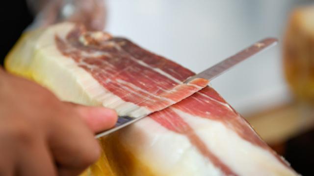 青岛即墨区动物检疫员兵分多路严格把关确保两节猪肉安全