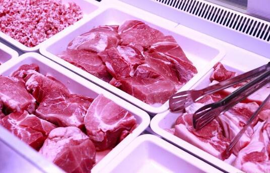 """""""三连涨""""后转跌,猪肉价格未来走势如何?专家:已见顶回落"""