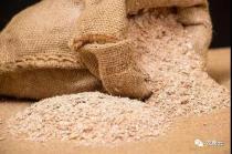 麦麸妙用:母猪产后保健提高泌乳量 育肥猪增肥
