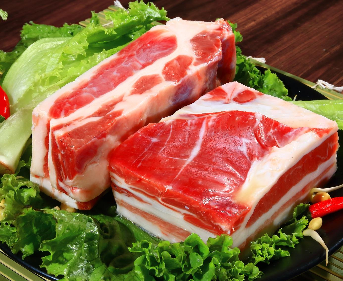 """中国冻猪肉储备恐耗尽?你觉得这是""""好消息""""还是""""坏消息""""?"""