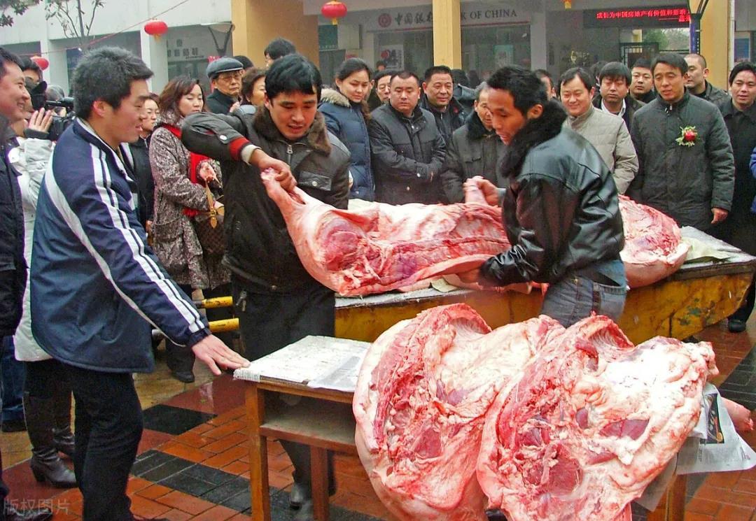 猪价再涨,屠企压价失败,3个坏消息,猪肉要涨到30元?