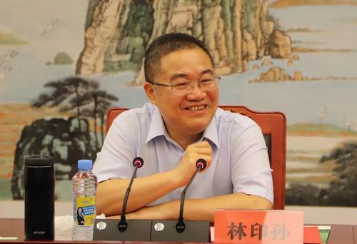 两会提问——全国人大代表、正邦集团董事长林印孙:建立生猪产业发展长效机制