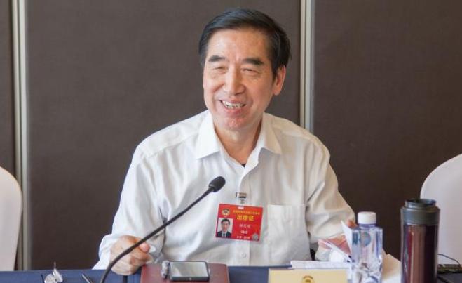 杨忠岐委员:大力发展元宝枫养猪技术,努力恢复生猪生产