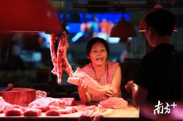 """广东东莞:一天吃掉7100头猪?解读东莞""""菜篮子工程"""""""