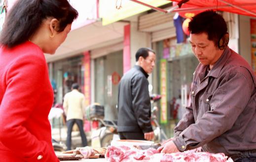 热点!猪肉市场价格持续下降 受多因素叠加影响