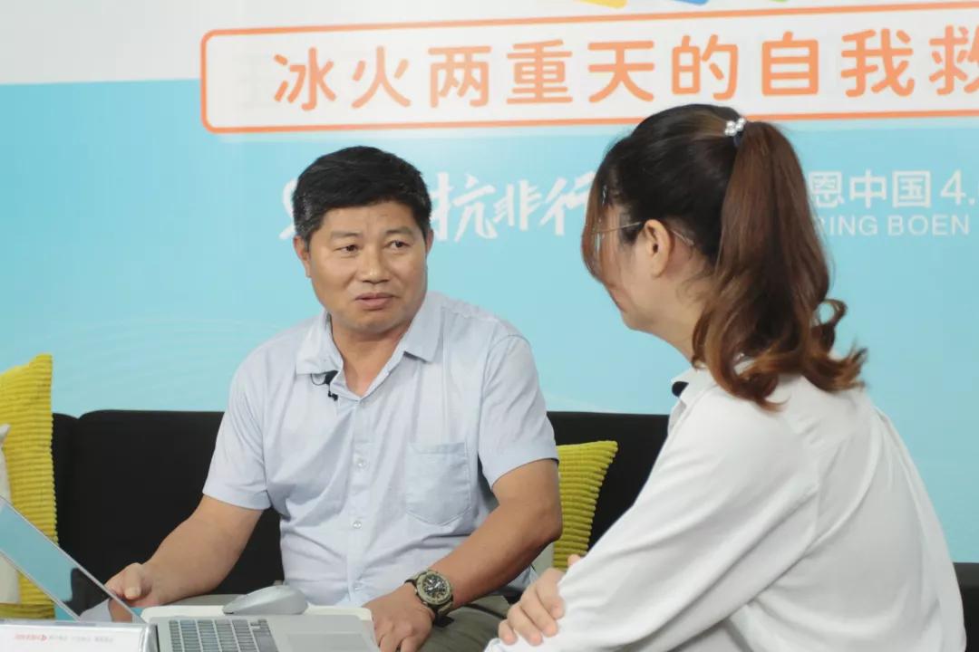 扎根养殖一线的实干家——邓衔柏教授