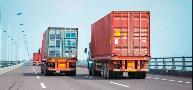 疫情致多地交通阻断,饲料运输困难,运输风险大,导致运费上调40%仍调不到车!
