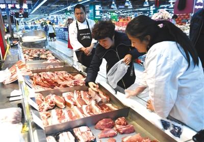 商务部:猪肉零售价格继续下降,市场供给充足,上周猪肉零售价格环比下降2%