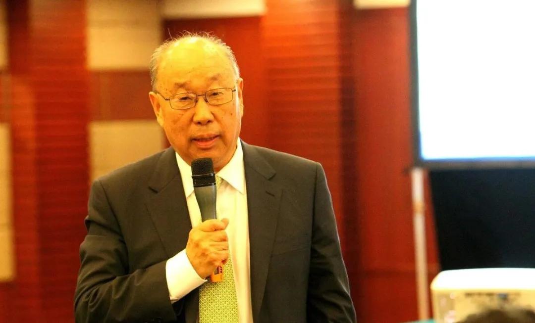 万隆连任双汇发展董事长,次子万宏伟为副董事长