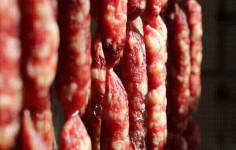 """河南郑州:猪肉降价""""灌肠季""""提前来临,你准备了吗?"""