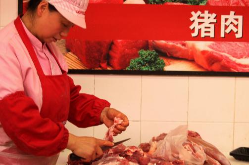 生猪价格暴涨!为什么猪肉却这么便宜?未来是否会回归20元时代
